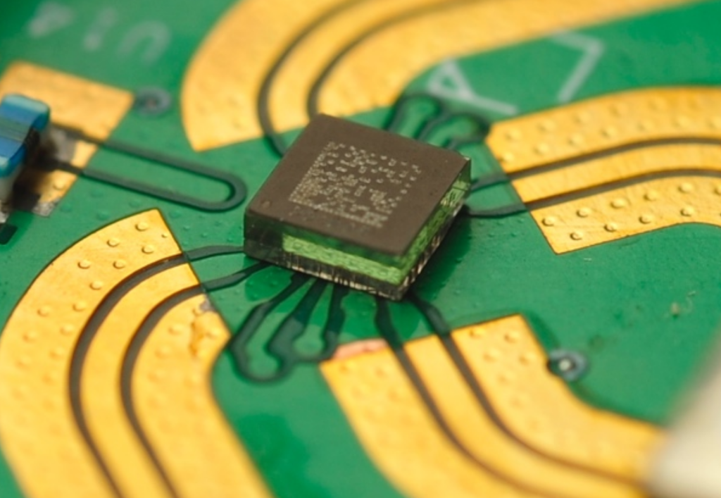 the smallest RF MEMS switch from Menlo Micro, MM5130