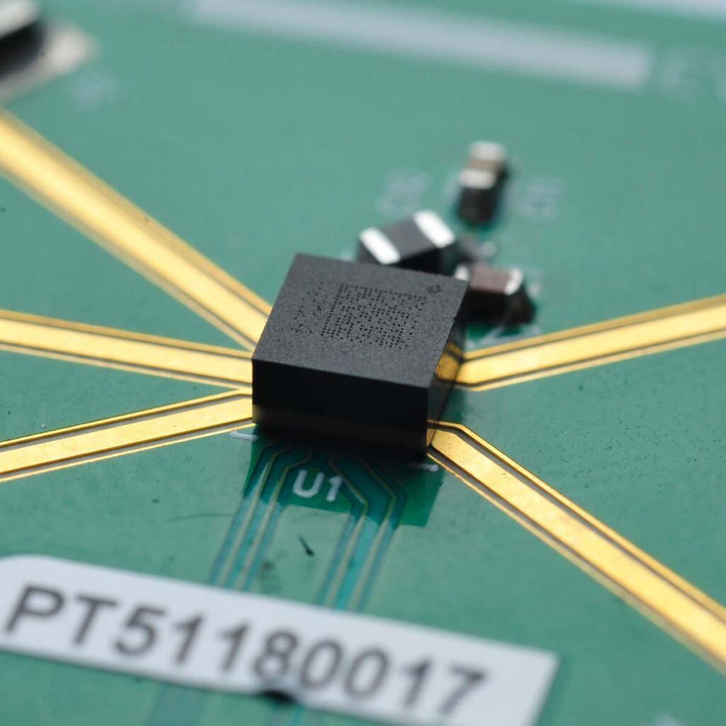 RF MEMS switch MM5120